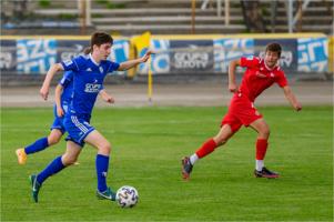Mecz Centralnej Ligi Juniorów U-15 w piłce nożnej: Unia Tarnów - Wisła Kraków