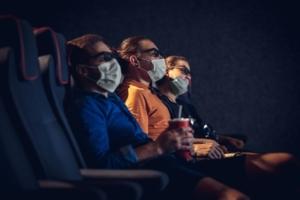 Kino i teatr podczas czerwonej strefy