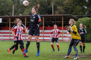 Mecz piłki nożnej kobiet: Tarnovia - Respekt Myślenice
