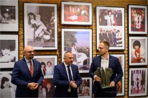 Czaderski wieczór z Ambasador Tarnowa Yolą Czaderską - Hayek