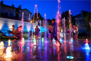 Multimedialne pokazy przy fontannie