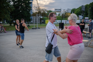 Potańcówki w Mościcach – ogródek Coolturalna