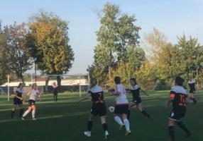 Mecz piłki nożnej kobiet: DAP Dębica - Tarnovia II Tarnów