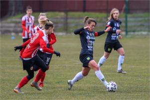 Mecz 1/8 finału Pucharu Polski w piłce nożnej kobiet: Tarnovia - ROW Rybnik