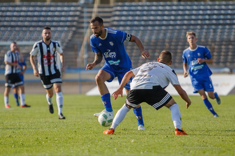 Mecz piłki nożnej: Unia Tarnów - Metal Tarnów